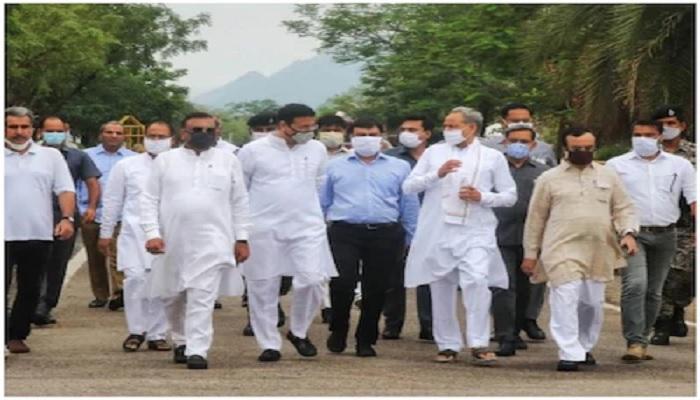 congress 1 राजस्थान की बिगड़ी सियासत को लेकर राष्ट्रीय स्तर पर विरोध प्रदर्शन करने को तैयार कांग्रेस