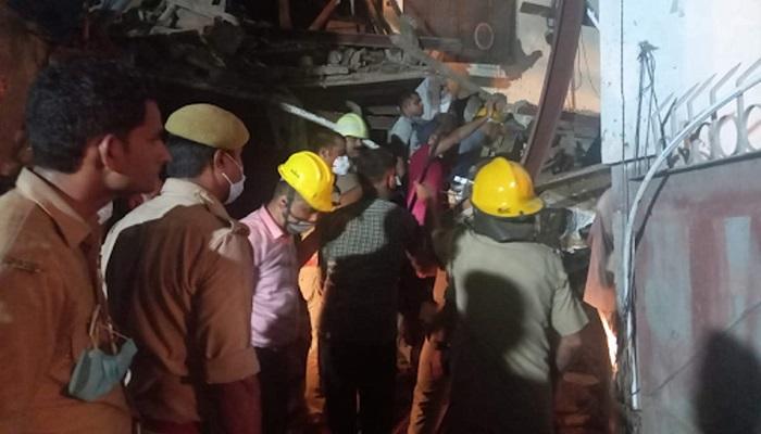 noida 1 नोएडा में हुआ बड़ा हादसा 11 मंजिला इमारत गिरने से मची तबाही कई लोग दबे..