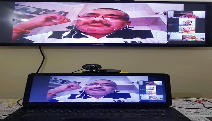 rakkesh 3 विडियो कॉन्फ्रेंस के जरिये पूर्व विधायक राकेश सिंह ने लोगों का हाल जाना..