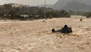 saudi 2 बाढ़ में डूब गया रेगिस्तान, सउदी अरब में बारिश की तबाही आपको हैरान कर देगी..