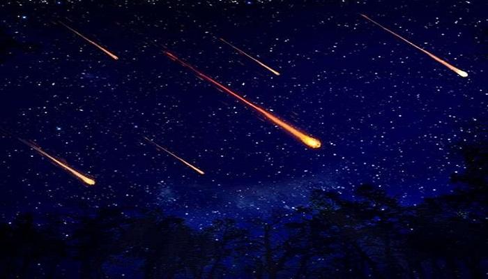 आसमान में दिखा खूबसूरत नजारा मरने से पहले एक दूसरे के चक्कर काट रहे दो सितारे..