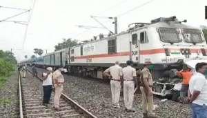 train कोरोना ने तोड़ दी इंडियन रेलवे की कमर, 30 सितंबर तक हुई सभी ट्रेने रद्द..