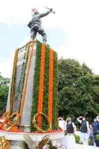 trivender 2 5 शौर्य दिवस पर मुख्यमंत्री श्री त्रिवेन्द्र सिंह रावत ने शहीदों को दी श्रद्धांजलि..