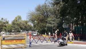 up lockdown कोरोना के बढ़ते कहर को रोकने के लिए सरकार सोमवार से लगाने जा रही लॉकडाउन..