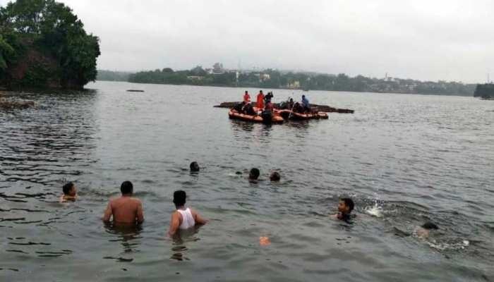 boat 1 बिहार के खगड़िया ज़िले में पलटी नाव 11 की मौत 20 से ज्यादा लापता..