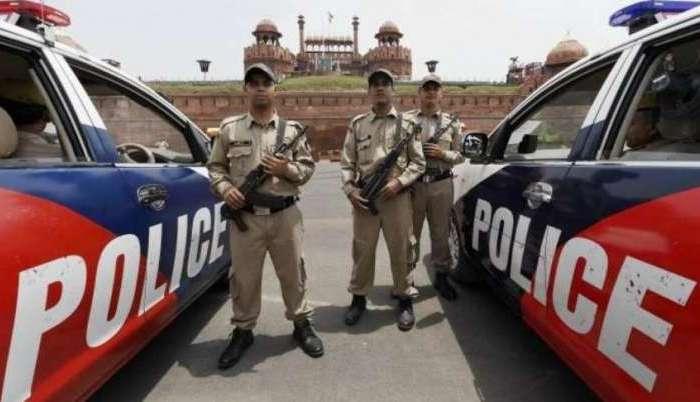 दिल्ली पुलिस ने मुठभेड़ के बाद एक आतंकी को किया गिरफ्तार