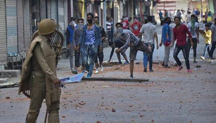 jammu and kashmir.jpg 2.jpg3 पिछले एक साल में कम हुई कश्मीर में पथराव की घटना, अलगाववादी नेता हताश