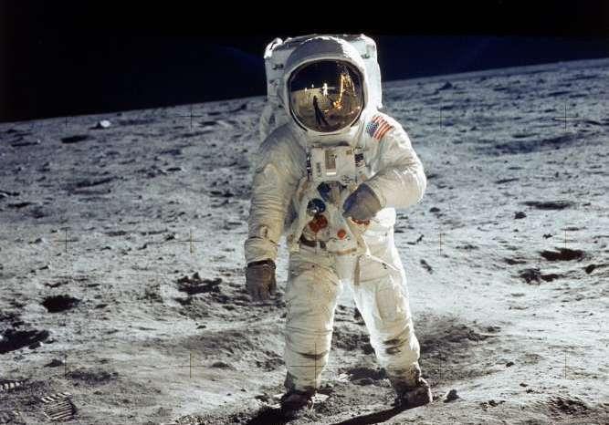 चंद्र लैंडिंग से कठिन होगा, चंद्रमा पर जमी बर्फ का अध्ययन