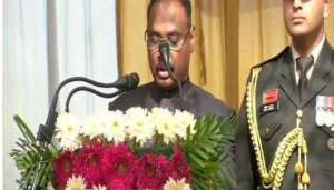 murmu 1 जम्मू कश्मीर पूर्व उपराज्यपाल गिरिश चंद्र मुर्मू ने संभाला CAG का पदभार..