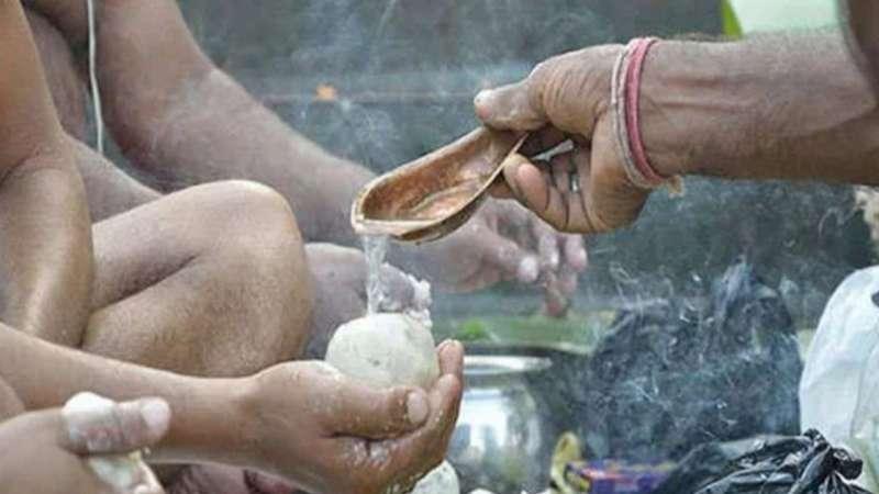 pitri paksh पितृपक्ष में तय तिथि में ही करें पितरों का तर्पण