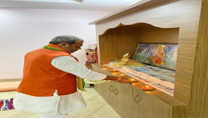 sunil bharala 1 राज्यमंत्री श्रम कल्याण परिषद के अध्यक्ष सुनील भराला ने राम जन्म भूमि पूजन के अवसर पर मनाया दीपोत्सव..
