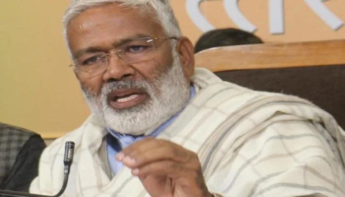 swatantr dev singh बीजेपी यूपी अध्यक्ष स्वतंत्र देव सिंह कोरोना पॉजिटिव, खुद को किया आईसोलेट