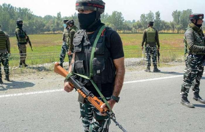 जम्मू-कश्मीर के बडगाम में मुठभेड़, सुरक्षाबलों ने एक आतंकी मारा