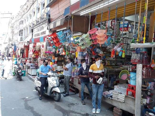 open market in jammu कोरोना नियमों का पालन ना करने पर हाईकोर्ट की टिप्पणी, आज बुलाई महापंचायत, व्यापारी परेशान