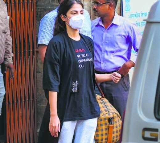 रिया ने याचिका में NCB पर जबरन बयान दिलवाने का लगाया आरोप