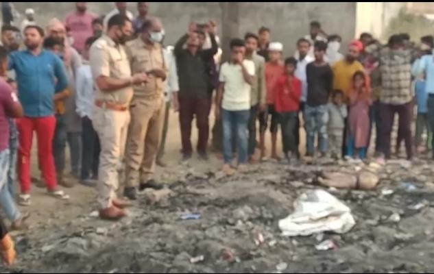 Meerut: शरीर के 15 टुकड़े कर श्मशान में फेंका, पहचान छुपाने के लिए काटकर साथ ले गया गर्दन