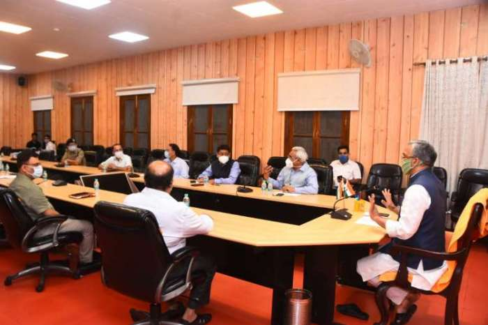 सीएम त्रिवेंद्र ने सीएम आवास में की कुम्भ मेला 2021 की तैयारियों की समीक्षा