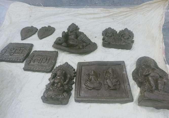 इस दिवाली खरीदे गोबर से बने दीये और गणेश-लक्ष्मी की मूर्ति