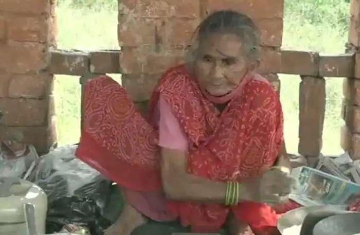 'बाबा का ढाबा' के बाद अब 'रोटी वाली अम्मा' का Video हो रहा Viral