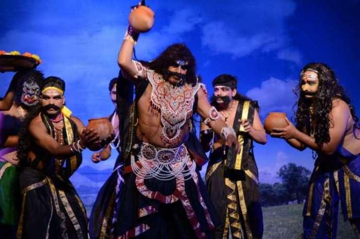Photos Gallery: अयोध्या की रामलीला, रावण के किरदार में शहबाज खान ने छोड़ी गहरी छाप