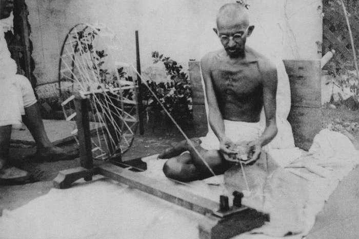 इतिहास में सदा अमर रहेंगे राष्ट्रपिता Mahatma Gandhi, जाने उनके जीवन से जुड़ी कुछ मुख्य बातें