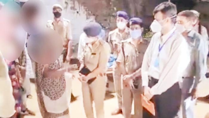 Hathras Latest: धारा 144 लागू, गांव में जांच करने एसआईटी की टीम पहुंची