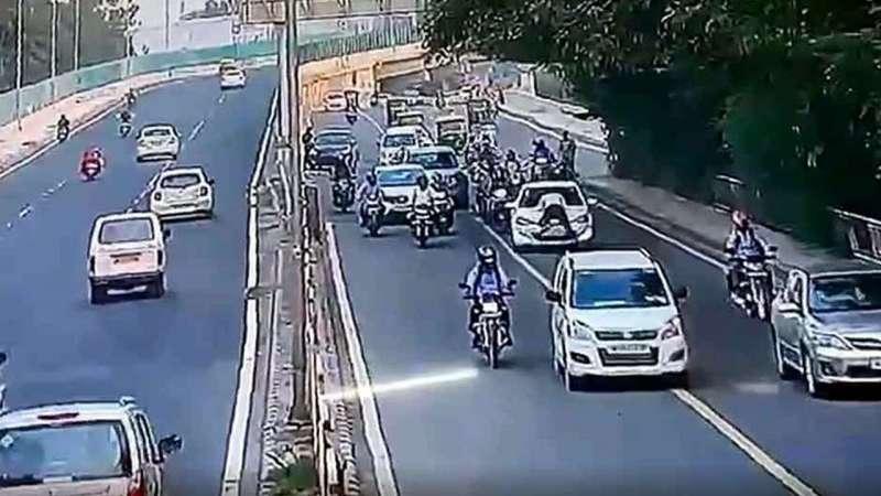 ट्रैफिक पुलिसकर्मी