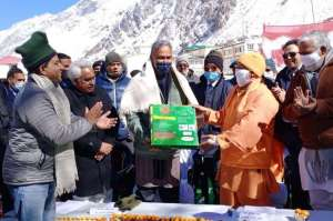333 सीएम योगी ने किया पर्यटक आवास गृह बद्रीनाथ शिलान्यास, मुख्यमंत्री त्रिवेंद्र रहे साथ