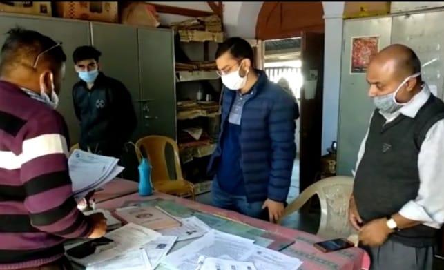 90638f95 67a7 499a b83d 11764cc0b857 जिला कलेक्ट्रेट ने ब्लॉक लेवल अधिकारियों को दिए मतदान केंद्रों का निरीक्षण करने का आदेश, इन जगहों का किया गया निरीक्षण