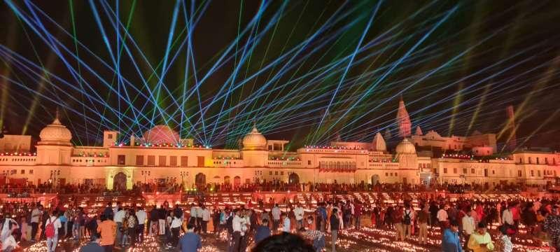WhatsApp Image 2020 11 13 at 8.50.45 PM 2 Gallery: 5.84 लाख दीयो से जगमगाया अयोध्या