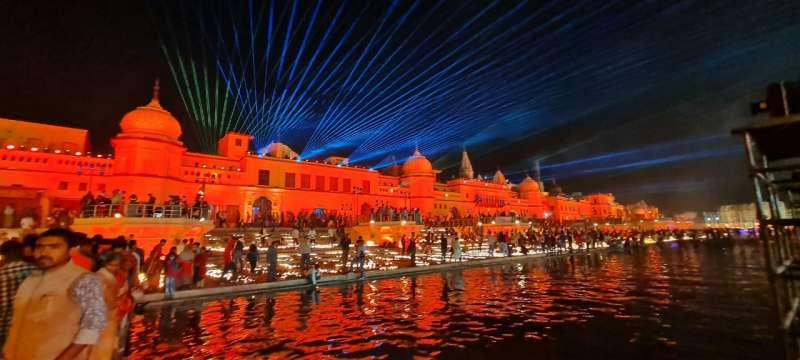 WhatsApp Image 2020 11 13 at 8.50.45 PM 3 Gallery: 5.84 लाख दीयो से जगमगाया अयोध्या