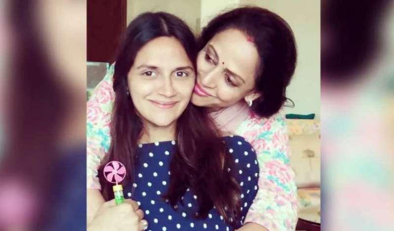 ahana हेमा मालिनी फिर से बनी नानी, छोटी बेटी ने दो जुड़वा बेटियों को दिया जन्म