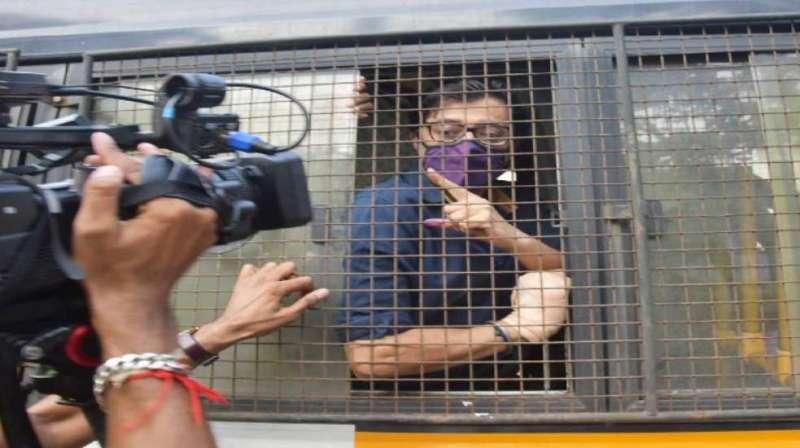 arnab goswami अर्नब गोस्वामी ने खटखटाया सुप्रीम कोर्ट का दरवाजा, HC के फैसले को दी चुनौती