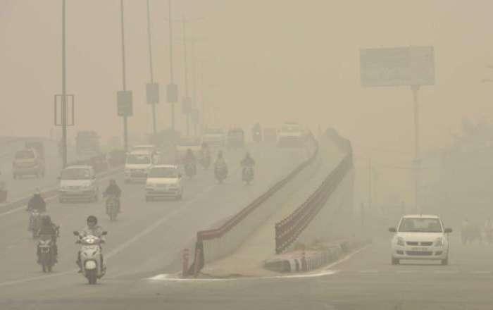दिल्ली NCR में दिवाली से पहले प्रदूषण की दस्तक, आनंद बिहार प्रदूषण का मीटर उपर