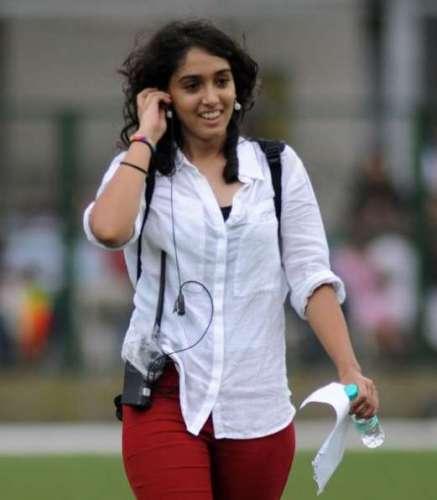 ira khan आमिर खान की बेटी का एक ओर वीडियो आया सामने, बताया पैरेंट्स ने क्या दी थी डिप्रेशन को लेकर सलाह