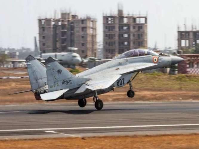 mig 29k अरब सागर में गिरा भारत का मिग-29K, एक पायलट अभी भी लापता