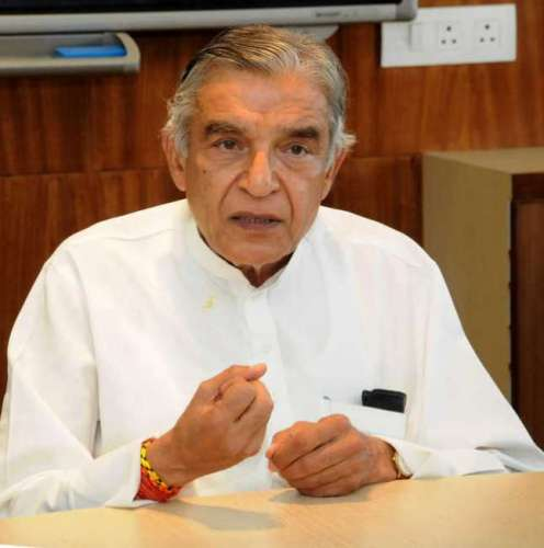 pawan bansal अहमद पटेल के निधन के बाद इन्हें बनाया गया पार्टी का कोषाध्यक्ष