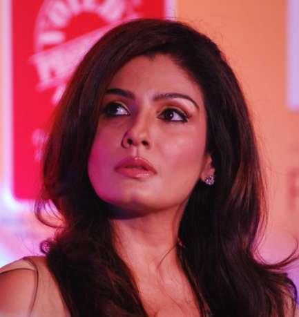 raveena 'पत्थर के फूल' फिल्म में खुद का ही शूट किया हुआ सीन देखकर आखिर क्यों रोने लगी थी रवीना टंडन?