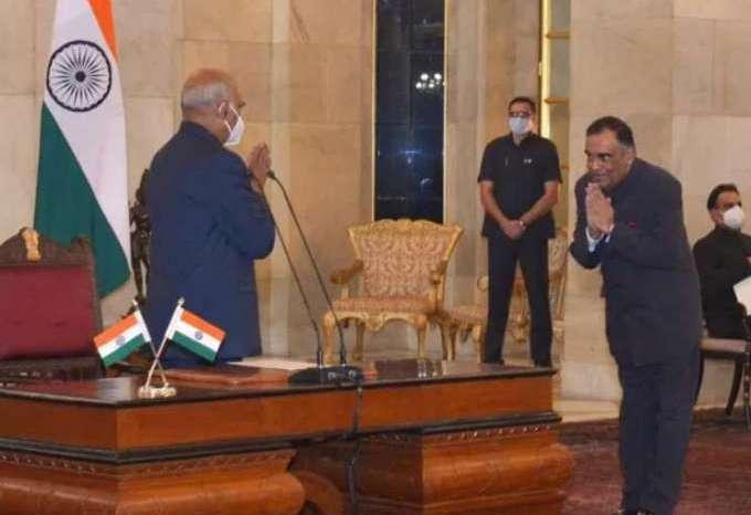 देश के नए CIC बने यशवर्धन कुमार सिन्हा