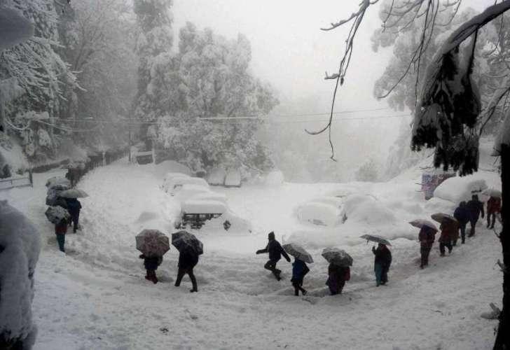 snowfall सावधान! हिमाचल में येलो अलर्ट, कई इलाकों में भारी बारिश और बर्फबारी की चेतावनी