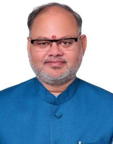 suresh bhatt पीएम मोदी के करीबी सुरेश भट्ट बने उत्तराखंड भाजपा के प्रदेश महामंत्री