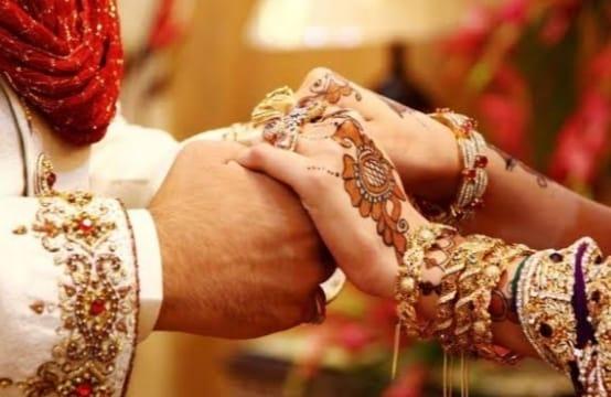 00e10e1e ae0a 4ef7 b821 a70c90feb732 तीन दिन पहले दुल्हन आई कोरोना पाॅजिटिव तो फिर दूल्हे ने इस अनोखे अंदाज में रचाई शादी