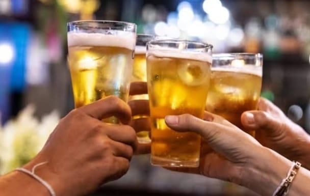 बीयर कंपनियों के बीच फिक्सिंग का सीसीआई की रिपोर्ट में हुआ खुलासा, जानें भारत के 52 करोड़ के बीयर बाजार में कितनी हिस्सेदारी
