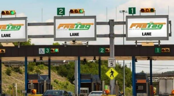 सरकार ने बढ़ाई वाहनों पर FASTag अनिवार्य करने की समय सीमा, जानें कब है डेडलाइन