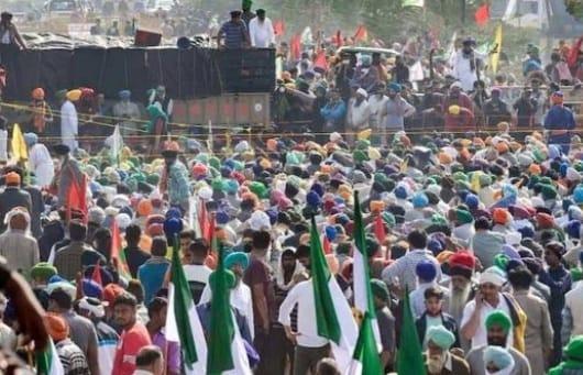 36826b40 8006 40b0 a31a f2118313df5b 3 दिसंबर को किसानों के साथ होने वाली बैठक आज करेंगे राजनाथ सिंह, बातचीत के न्यौते को लेकर किसान नेता ने उठाए सवाल