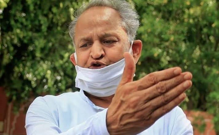 राजस्थान में फिर तेज हुई सियासत, सीएम अशोक गहलोत ने गृहमंत्री अमित शाह पर लगाया सरकार गिराने का आरोप