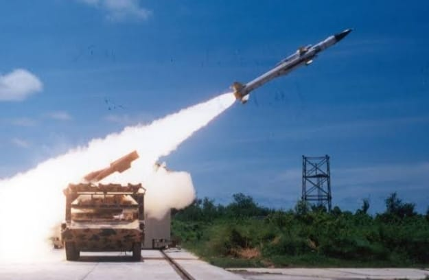 भारतीय वायुसेना ने किया आकाश मिसाइल का परीक्षण, मिसाइल हवा में दुश्मन पर निशाना लगाने में सक्षम