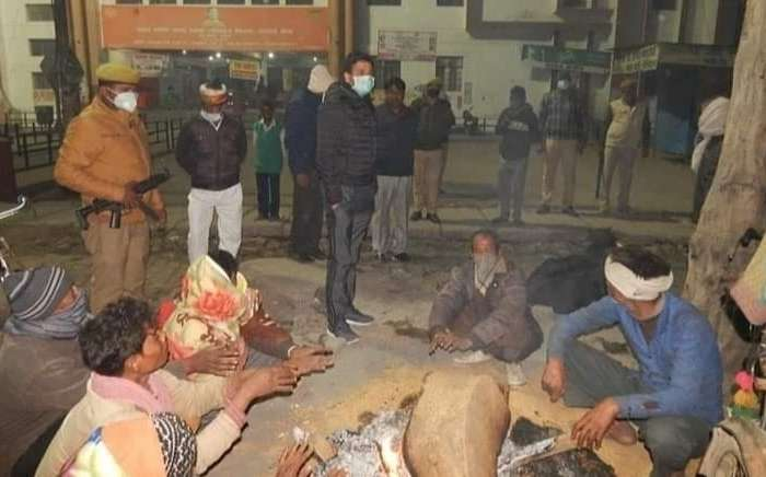 योगी के डीएम ने किया रैन बसेरों का निरीक्षण, जानें क्या दिए अधिकारियों को निर्देश