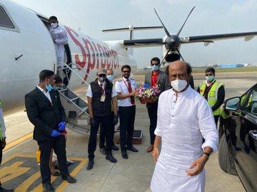 रजनीकांत 'अन्नात्थे' की शूटिंग दोबारा शुरू करने पहुंचे हैदराबाद, सन पिक्चर्स ने ट्विटर हैंडल से शेयर की तस्वीर