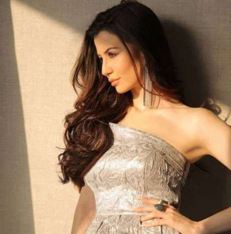 अरबाज खान की गर्लफ्रेंड ने सोशल मीडिया पर मचाया तहलका, शेयर की बिकिनी पिक्स